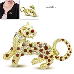 Broche animal félin modèle Ahtir