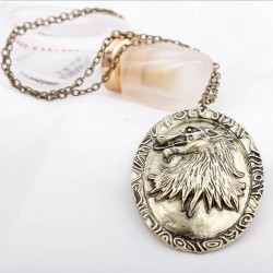 Collier cosplay game of thrones Cersei Lannister modèle Begge