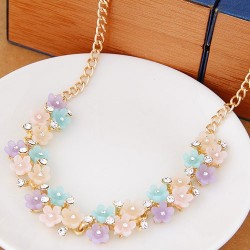 collier multicolore fleuri Adam