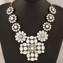 collier blanc fantaisie