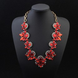 Collier rouge cristal mode