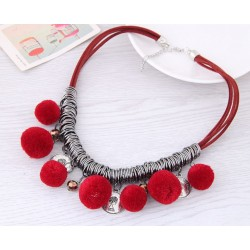Collier pompons rouge