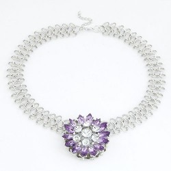 collier violet fantaisie